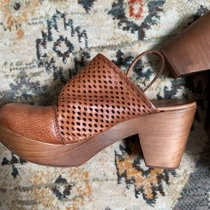 Free People Logan Clogs